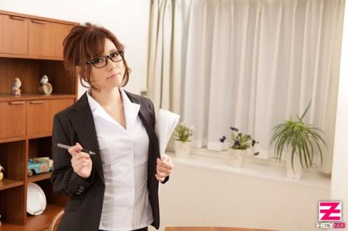 【おっぱい】女性家庭教師のエロすぎるおっぱい画像【30枚】