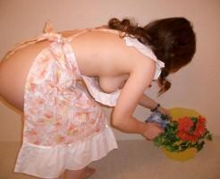 裸エプロンのギャルの画像集