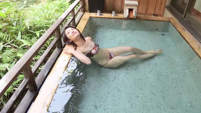 【おっぱい】温泉で癒されているグラビアアイドルたちのおっぱい画像がエロすぎる!【30枚】