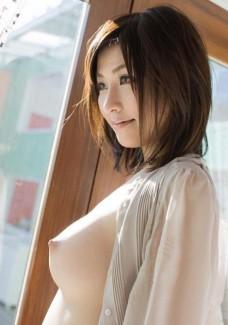 【おっぱい】透明感あふれる美少女のおっぱいはやっぱりエロすぎる!