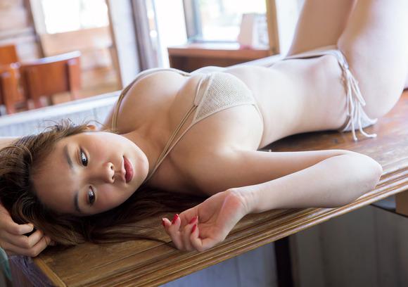 【おっぱい】テラスハウスで一躍有名になった筧美和子ちゃんのおっぱい画像がエロすぎる!【30枚】