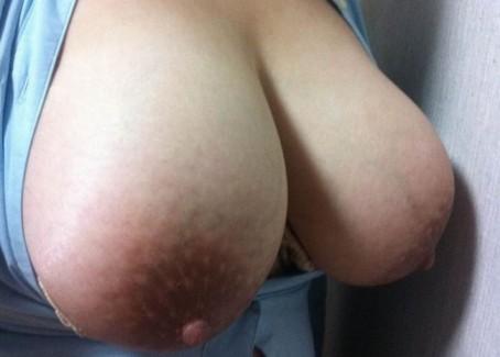 【おっぱい】巨乳の彼女から送られてきた写メがヌケルww【30枚】