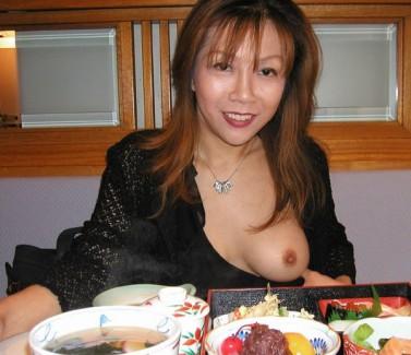 【おっぱい】熟女のもっちりとしたおっぱいが素晴らしすぎるエロ画像!【30枚】