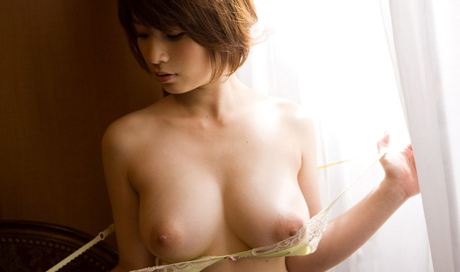【おっぱい】拝んでしまいたくなるほど形が美しい巨乳のエロ画像!【30枚】