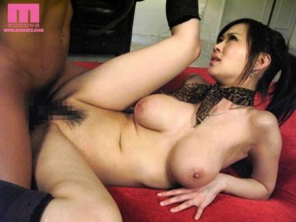 【おっぱい】Jカップの爆乳で大人気なAV女優・菅野さゆきさんの大きなおっぱい画像がエロすぎる!【30枚】