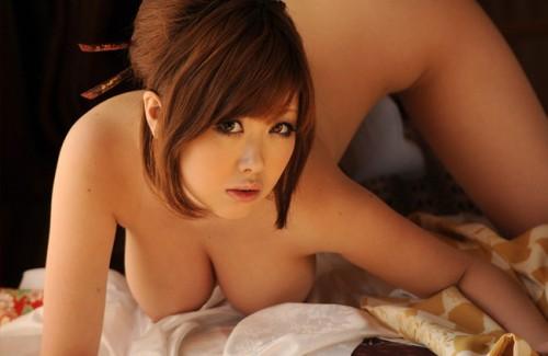 【おっぱい】人気巨乳AV女優浜崎りおのエロ画像!【30枚】