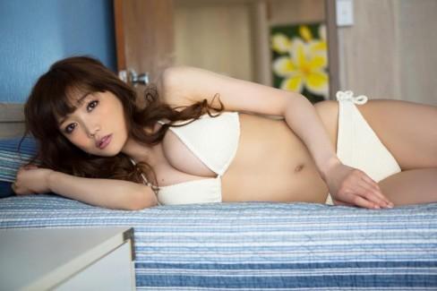 【おっぱい】おっぱいもルックスも魅力的な佐藤江梨子の微エロ画像!【30枚】