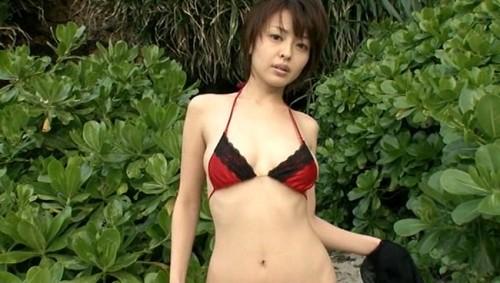 【おっぱい】大きな瞳と85センチの絶品柔らかプニプニバストを持った、吉川麻衣子ちゃんのおっぱい画像がエロすぎる!【30枚】