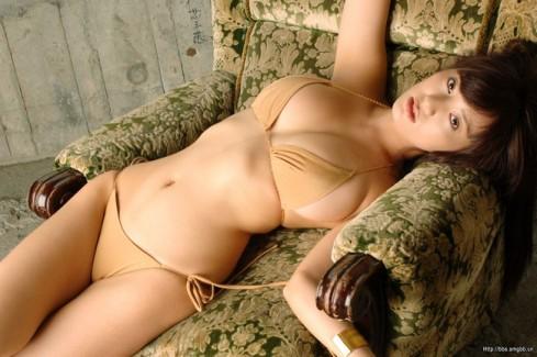 【おっぱい】美形フェイスとグラマラスボディを大胆披露したグラビアアイドル・海江田純子ちゃんのおっぱい画像がエロすぎる!【30枚】