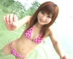 元AKBの駒谷仁美のおっぱい画像集