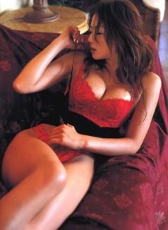 【おっぱい】真っ赤な下着姿の美女のおっぱいがあまりにもエロすぎてやばい【30枚】