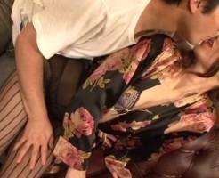 息子と近親相姦するエロ画像集