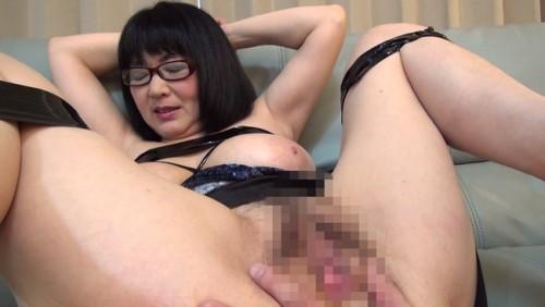 【おっぱい】最近の熟女さんたちは普通のセックスじゃ満足できない!縛られ喘ぐ四十路眼鏡熟女さんたちのおっぱい画像がエロすぎる!【30枚】