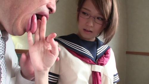 【おっぱい】マジメに学校へ通う大人しい女子校生のおっぱい画像がエロすぎる!【30枚】
