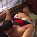 【おっぱい】温泉宿に泊まりに来た男性客を和服を乱しながら性的なおもてなしで満足させてみせる美熟女女将さんのおっぱい画像がエロすぎる!【30枚】