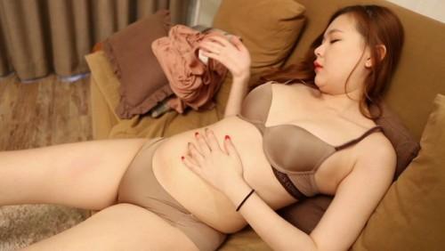【おっぱい】超エッチでベッドの上では濃厚セックスで情熱的に大胆になっちゃう韓流セクシー美女のおっぱい画像がエロすぎる!【30枚】