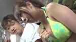 【おっぱい】海岸路線バスで背後から水着越しにねっとり乳揉み痴漢され腰をグラインドさせイキまくる巨乳娘たちのおっぱい画像がエロすぎる!【30枚】