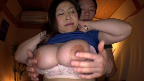 【おっぱい】いろいろな男性たちと連続不倫セックスでおっぱいを震わせながらイキ果てる巨乳むっちり人妻さんたちのおっぱい画像がエロすぎる!【30枚】