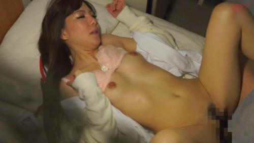 【おっぱい】真夜中に発情しちゃって男性患者たちと不倫セックスをしちゃう人妻看護師たちのおっぱい画像がエロすぎる!【30枚】