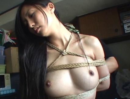 【おっぱい】麻縄で縛り上げられることを強く懇願しちゃうほど緊縛プレイが大好きなドM女性たちのおっぱい画像がエロすぎる!【30枚】
