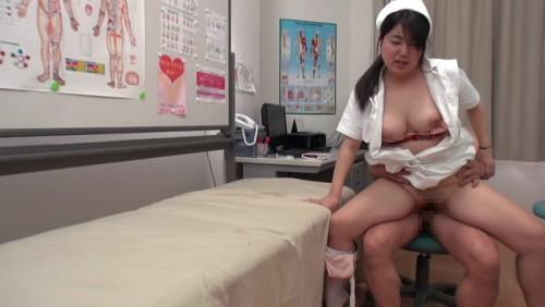 【おっぱい】媚薬の力でド変態になってしまった!医師のペニスにしゃぶりつく爆乳看護師たちのおっぱい画像がエロすぎる!【30枚】