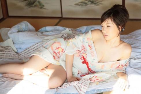 【おっぱい】いつ見ても息子を元気にしてくれる和服美女の肌蹴おっぱい画像【33枚】
