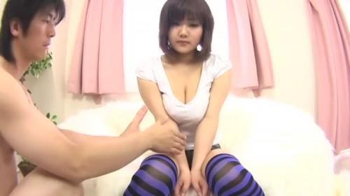【エロ動画】谷間を見ているだけでも脱がしたくなる巨乳をあえて着衣で揉む動画!w【巨乳】