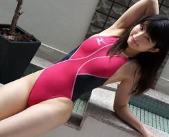 競泳水着のおっぱい画像集