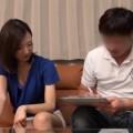 【エロ動画】出産してから性欲が高まっているのにセックスレスな人妻をアンケートナンパ!【素人】