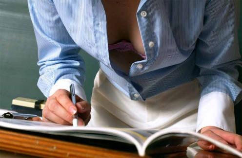 【おっぱい】学生時代に憧れた痴女っぽい女教師がここにいたwww【36枚】