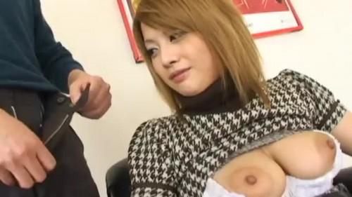 【エロ動画】巨乳をたっぷり愛撫してからあえて口だけで抜いてもらって口内射精!【巨乳】