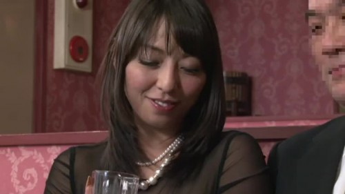 【エロ動画】ヤレると評判のスナックで村上涼子にガッツリとパンストプレイされるwww【村上涼子】