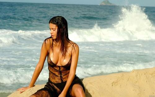 【おっぱい】早くプールや海開きして欲しいと思ってしまう水着姿のエロ画像まとめ!w【28枚】