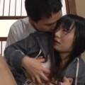 【エロ動画】父子家庭でお母さん代わりに家事を頑張る娘が暴走パパに中出しされる!【なつめ愛莉】