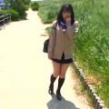 【エロ動画】JKに見せつけ露出するのが趣味のホームレスがビニールハウスに連れ込んで犯す!【JK】
