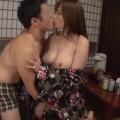 【エロ動画】温泉宿でみつけた美巨乳の女子大生が浴衣でドエロなセックス!w【素人】