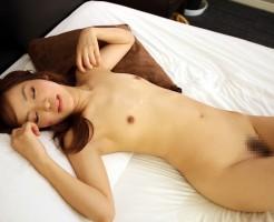 貧乳美少女のエロ画像集