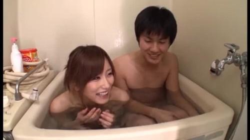 【エロ動画】ファンの自宅を訪問した絵色千佳がお風呂でイチャイチャ!【絵色千佳】