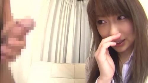 【エロ動画】仕事終わりっぽいOLがセンズリ鑑賞に挑戦して手コキ抜き!【OL】