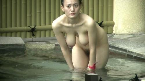 【おっぱい】女将さーんこの温泉ユルすぎますよ!素人のロリな美少女やJKやOLを露天風呂で盗撮しちっぱいや名作レベルの巨乳盗撮したエロ画像集w【80枚】