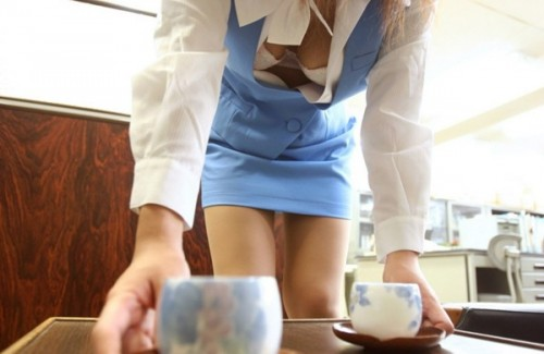 【おっぱい】事務仕事を頑張るOL達が会社指定の制服脱がされおっぱい露出させ寝取られちゃうOLおっぱい画像集w【80枚】