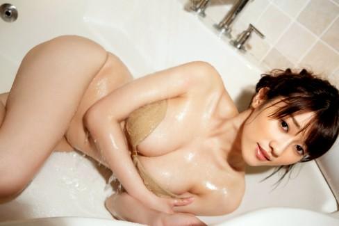 【おっぱい】びしょ濡れになるとほぼ全裸状態!肌色水着・湯葉水着のおっぱい画像集ww【80枚】