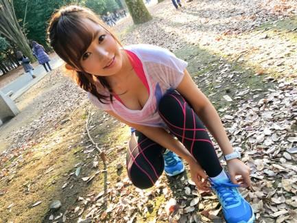 【おっぱい】すれ違いざまに巨乳の揺れを存分に堪能するジョギングおっぱい画像集【80枚】