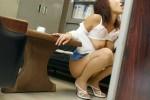【おっぱい】オフィス内で制服やスーツ脱いで乳首露出しちゃってる、こんな会社に転職したくなるOLおっぱい画像集【80枚】