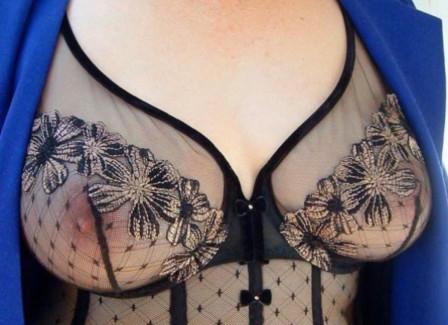 【おっぱい】シースルーランジェリーやノーブラキャミで透け乳首状態の透けおっぱい画像集【80枚】