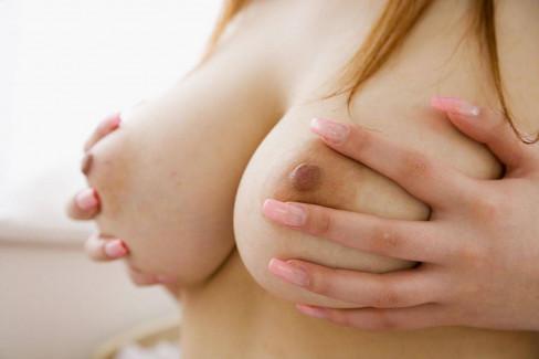 【おっぱい】乳首上向きで美巨乳の釣鐘型おっぱいが理想的過ぎて即パイズリしたくなる釣鐘型のおっぱい画像集ww【80枚】