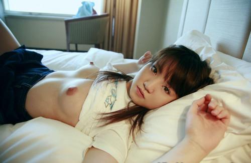 【おっぱい】まだちっぱいのロリ娘なのに貧乳でナイズリやフェラして経験豊富なセックスをしまくるロリビッチのおっぱい画像集ww【80枚】