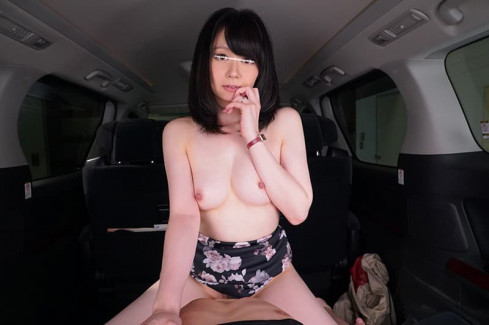 【おっぱい】彼女やセフレとスリル満点のカーセックスww対面座位で乳首吸いながらピストンしたったカーセックスのおっぱい画像集w【80枚】