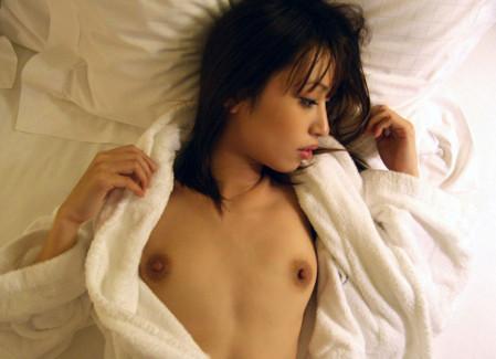 【おっぱい】セックス前のテンションを爆上げしてくれる風呂上がりバスローブ姿のおっぱい画像集w【80枚】