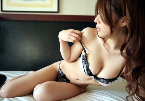 【おっぱい】全裸よりもブラジャーやパンティーをめくって乳首舐めやちんぽ挿入して着衣セックスしたくなる下着姿のおっぱい画像集!w【80枚】